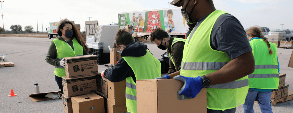 volunteers organizing food distribution, aid for natural disasters, volunteers and organizations that help during natural disasters concept