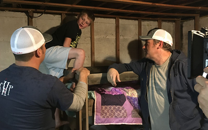 mike-rowe-bed-delivery